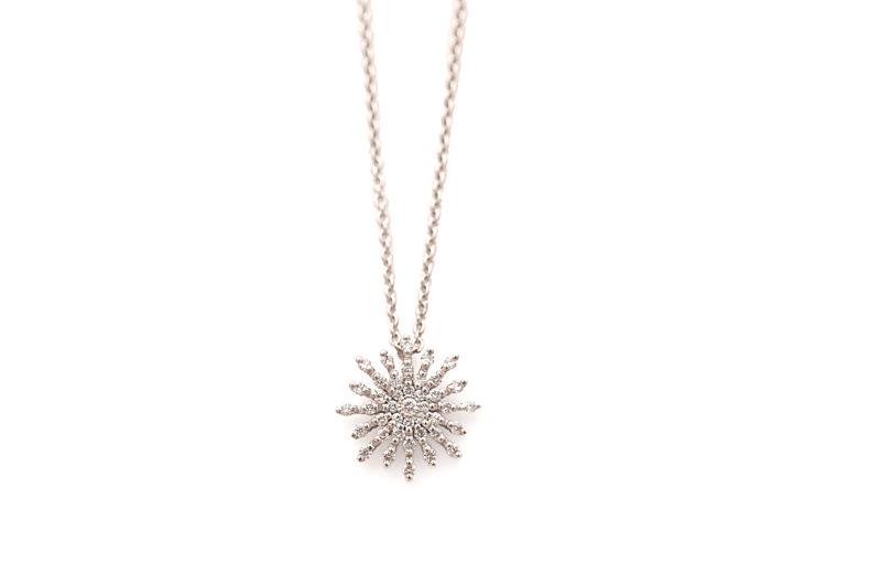 Collier aus Weißgold mit Stern und Diamanten