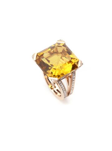 Ring aus Weißgold mit gelben Beryll und Diamanten