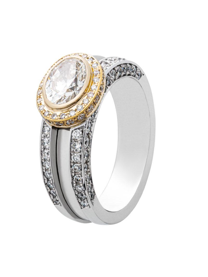 Ring aus Weißgold mit ovalen Diamanten