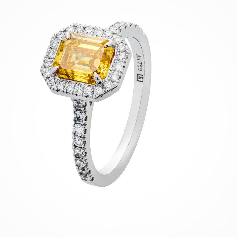 Weißgoldring mit fancy Diamanten und Diamanten
